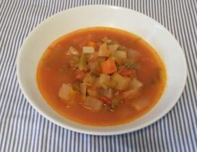 トマトジュースとコンソメで作る簡単ミネストローネ