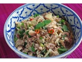 サバ缶でダイエット料理! タイ風サラダの作り方