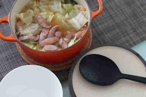 野菜をたっぷり!簡単キャベツとウインナースープ