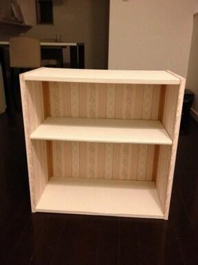 「壁紙をカラーボックスに貼る」簡単DIYでオリジナル本棚