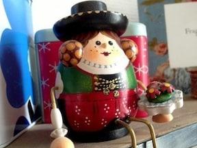 お土産に人気!職人さんの手作り『パイプ人形』