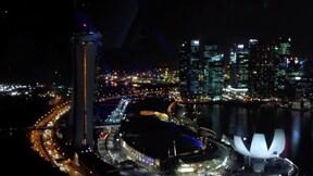 世界最大規模の観覧車から見下ろす美しい夜景