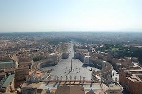 圧倒的な神聖な雰囲気『サン・ピエトロ大聖堂』