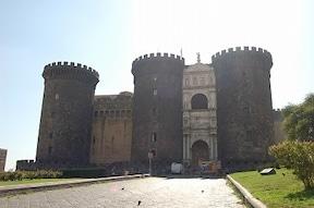 ルネッサンス建築の城『ヌオーヴォ城』