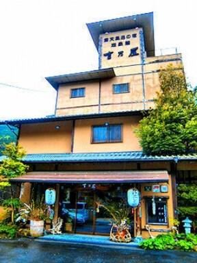 源泉かけ流しの老舗旅館【湖泉閣吉乃屋】