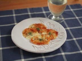 簡単10分で作れる「カリカリチーズせんべい」レシピ