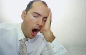 睡眠時のいびきがひどく、数秒間呼吸が止まることもある