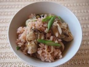 滋養たっぷり薬膳牡蠣料理「牡蠣の赤ワイン炊き込みご飯」レシピ