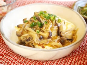 麺つゆで味つけ簡単、豆腐のきのこあんかけ