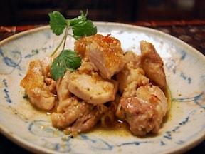 レモングラスたっぷりで、爽やか鶏の炒め物レシピ