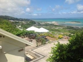 まるで雲の上!隠れ家的沖縄そば