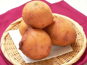 市販のよもぎ大福を包んだ人気お菓子を再現!簡単おいしい柔らかドーナツレシピ