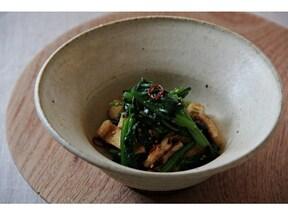 ゴマ油の風味豊かなピリ辛「ほうれん草と油揚げの韓国風和え物」