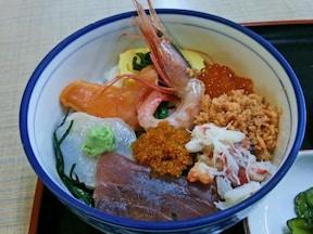 函館朝市の「海鮮丼」