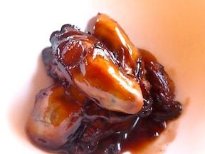 「牡蠣のメープルシロップ赤ワイン煮」は意外な組み合わせが絶品!