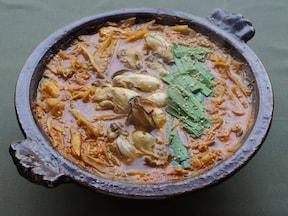シンプル!牡蠣としゃきしゃきごほうのキムチ鍋