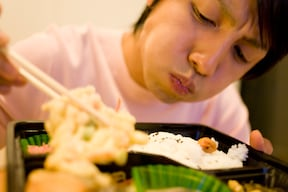 早食いは油ものより肥満になりやすい