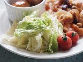 春キャベツとカッテージチーズの温サラダ