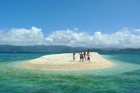 珊瑚の欠片でできた美しい無人島
