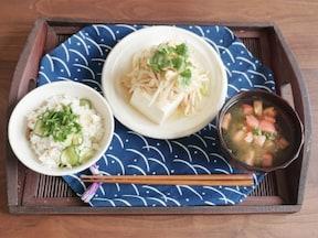 手早くできるさっぱり簡単レシピ! 釜揚げしらすと野菜のおいしい混ぜご飯