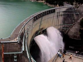 絶景!日本一の高さ・186mを誇る黒部ダム