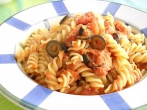 缶詰で作るソースがおいしい「ツナとトマトのフリッジ」簡単レシピ