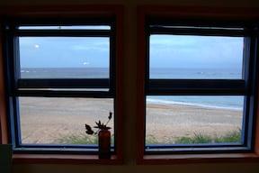 海から登る朝日で目覚める、やんばるロハスな旅