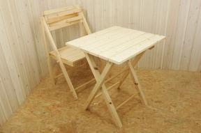 ちょっとした物を置くのに便利!人気の折りたたみテーブルをDIY
