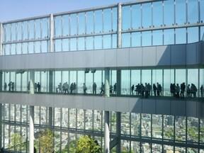大阪の新名所、日本一高いビル「あべのハルカス」