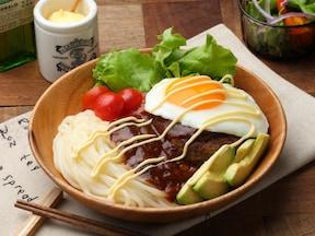 ハワイのおしゃれ丼!カフェ風ロコモコうどん