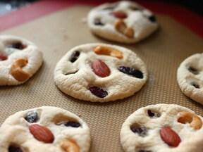 ナッツ入りマシュマロクッキー