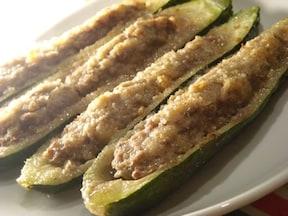 ズッキーニ・リピエーニ(ズッキーニの肉詰め)