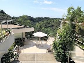 天空のようなカフェ『ル・ミリュウ 鎌倉山』