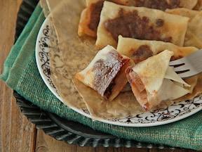 フライパンで簡単! 梨と板チョコのスイーツ春巻き