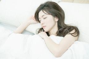 ぐっすりと眠り、美肌ホルモンを分泌させよう