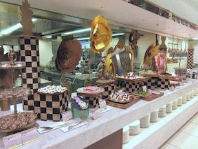 京王プラザホテル 鏡の国のスイーツパーティ