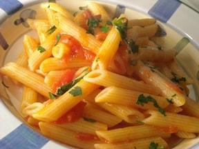 ペンネアラビアータのピリ辛トマトソース