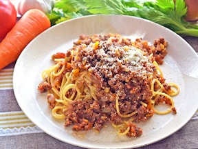 生トマトで作る野菜たっぷりボロネーゼ