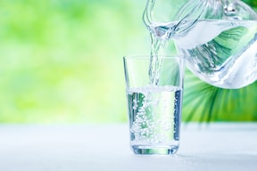 ダイエット中に必要な水は、約1.2~1.5L