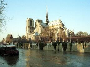 パリのセーヌ河岸(フランス)