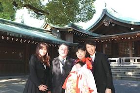 初めての正装をして、神社にお宮参り