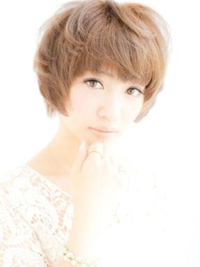 ぱっつん前髪×秋先取りショートボブ