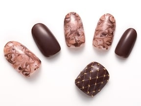 ほんのりビターなチョコレートネイル