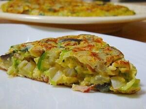 野菜たっぷりチーズオムレツ