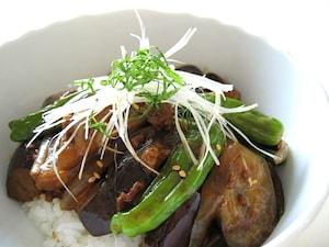 夏野菜の和風カレー丼