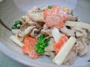 うどと菜の花の豚しゃぶ仕立て 味噌マヨ和え
