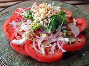 トマトの香味サラダナンプラー風味