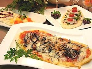 3種のホームメイド薄焼きピザ