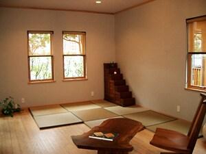 竹のフローリングと置き畳