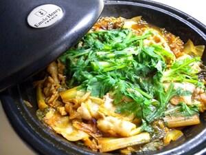 ごはんがすすむピリ辛タジン鍋